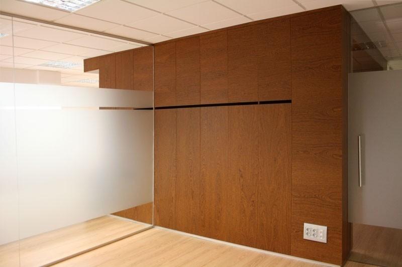Almacenamiento oculto. Orden y Diseño en madera
