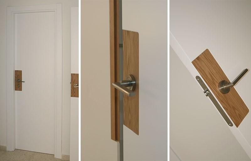 Puerta lacada en blanco con detalles en roble