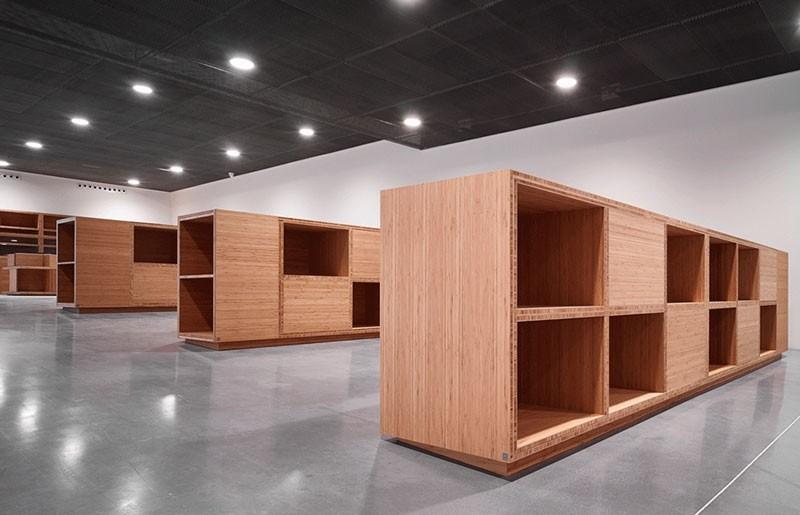 Estanteria a medida de bambu_ tienda Museo Pompidou Málaga